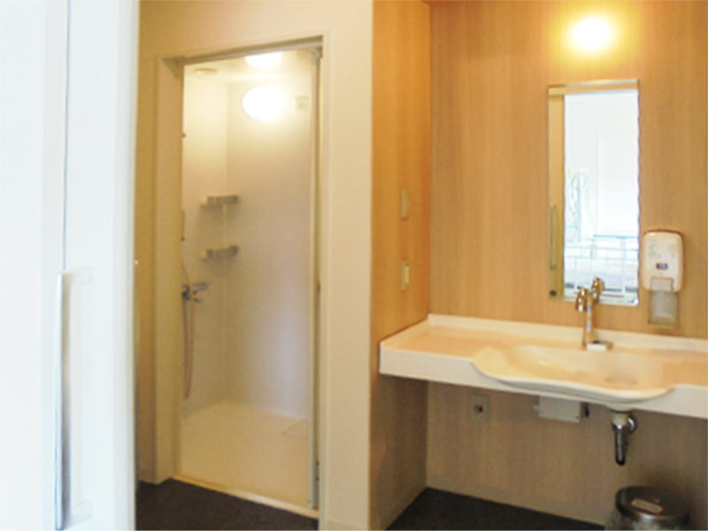シャワー・トイレ付き個室